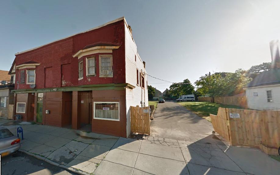 1041 Grant Street (in back)