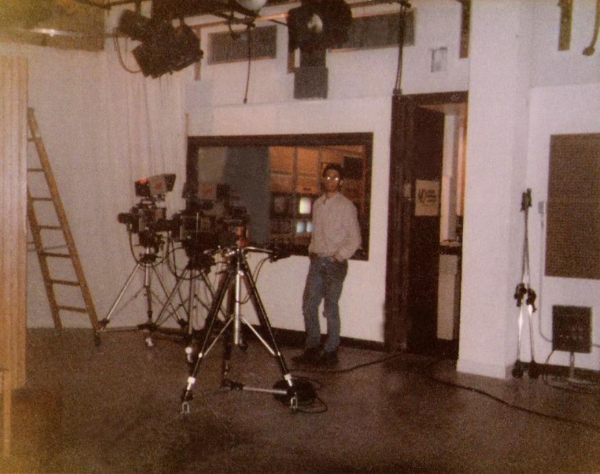 (23) Warner Bros. Access Studio- wide shot with Bob Lowden