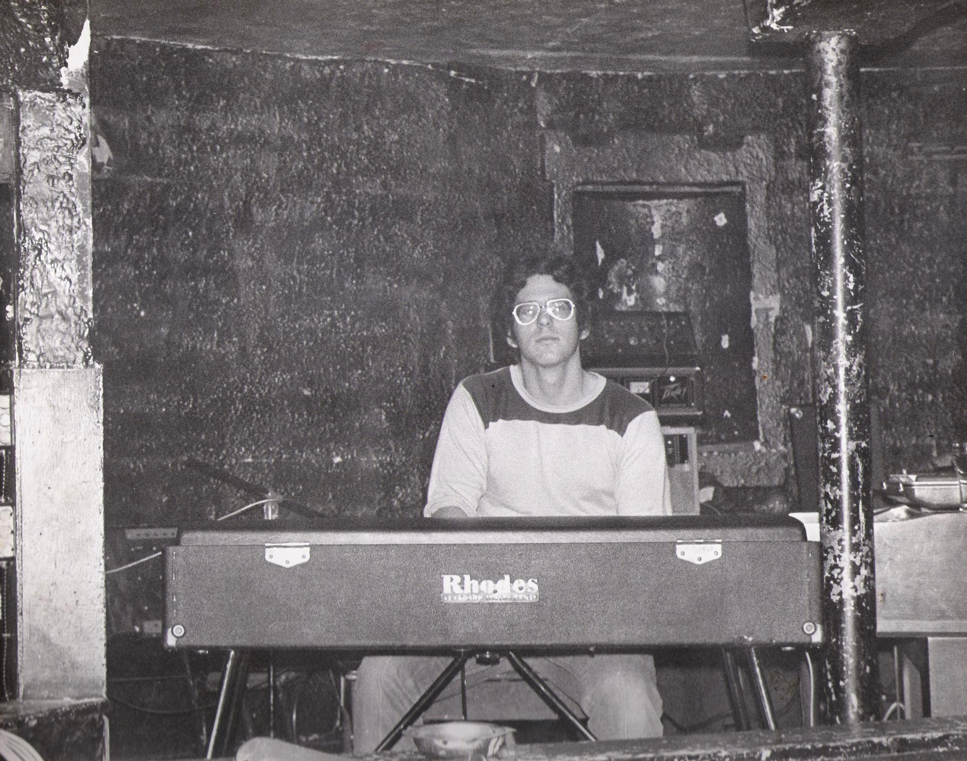 McVans 1979 - Dave Maltbie with Fender Rhodes, Wurlitzer 4100 Organ and Moog Sonic Six