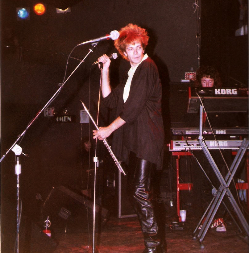 English pop-rock vocalist hair
