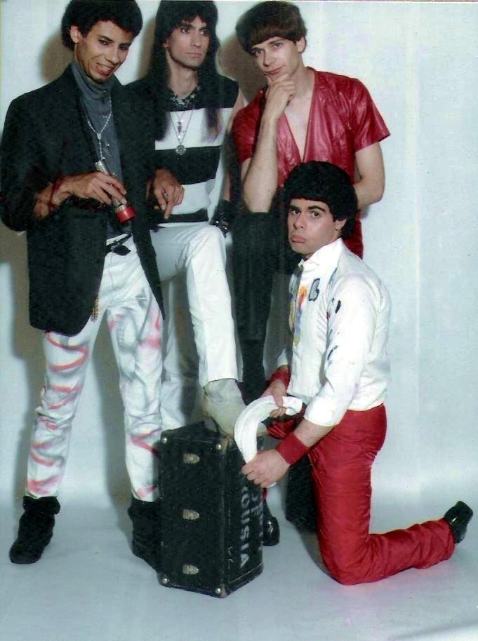(5) Keep Running Pomo pics - 1984
