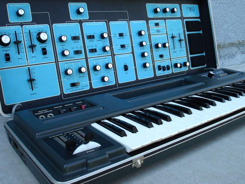 Moog Sonic Six synthesizer