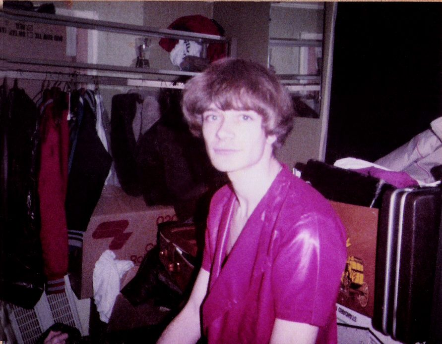 Patt Connolly back in the closet at the Hollywood Batavia 12.31.1982