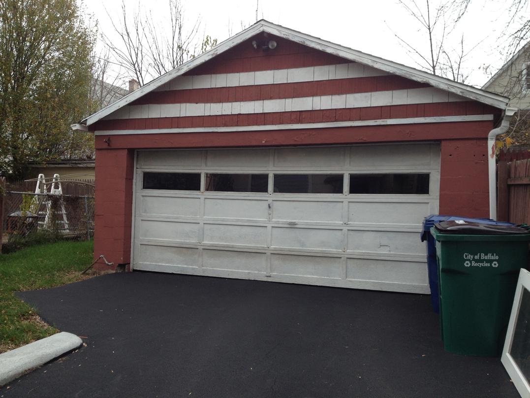 Grandma's Garage at 105 Baxter St.