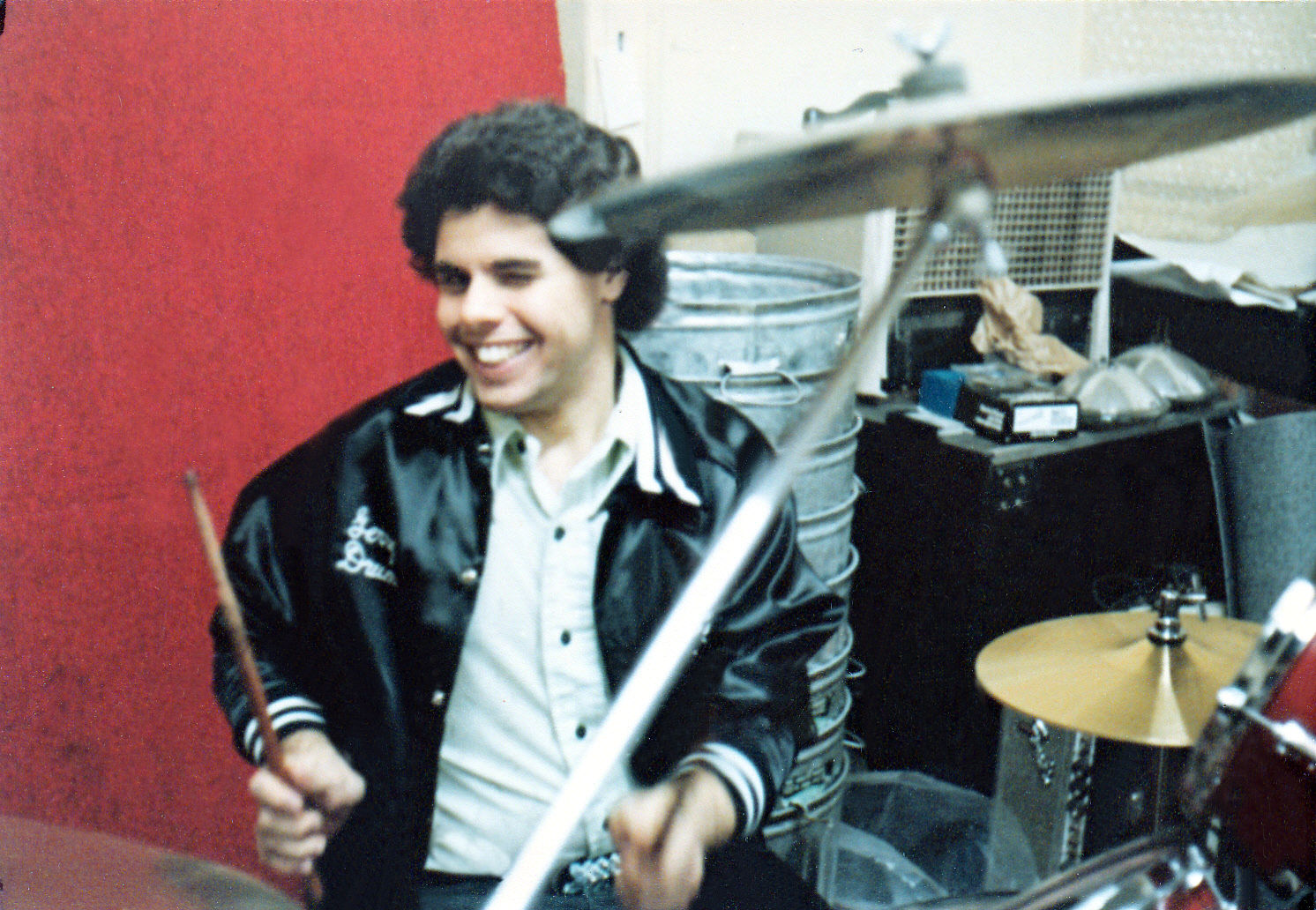 Gerry drums at the music mall 1981