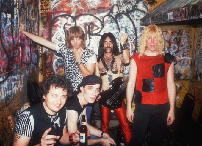Backstage with Viv Savage: Keyboardist with the band Spinal Tap